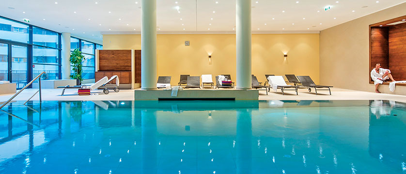 Austria_Fieberbrunn_Austria-trend-hotel-alpine-resort_Indoor-pool.jpg